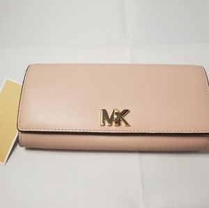 Michael Kors Mott Large Carry All Leather Wallet